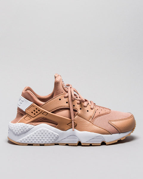 Wmns Air Huarache Dusted Clay/White Nike Mens Sneakers Seattle