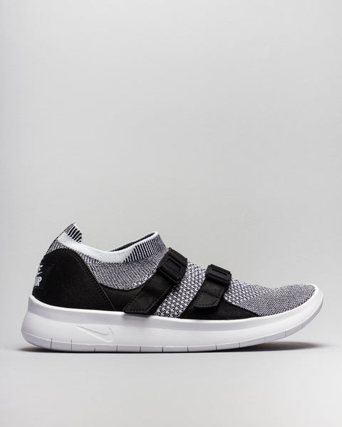 Air Wmns Sockracer Flyknit Black/White Nike Mens Sneakers Seattle