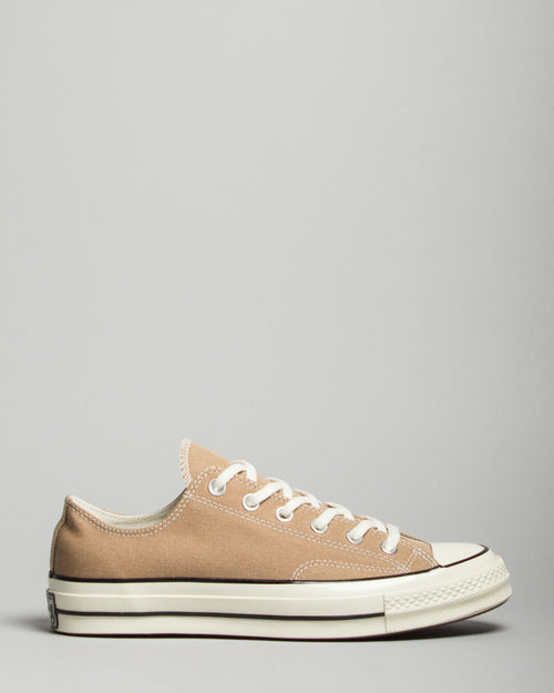 Chuck 70 Ox Tan/Graphite 1