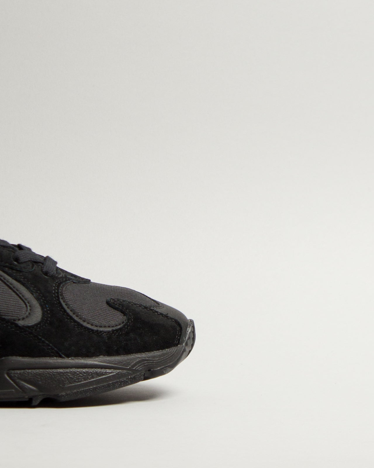 Yung-1 Core Black/Core Black/Carbon