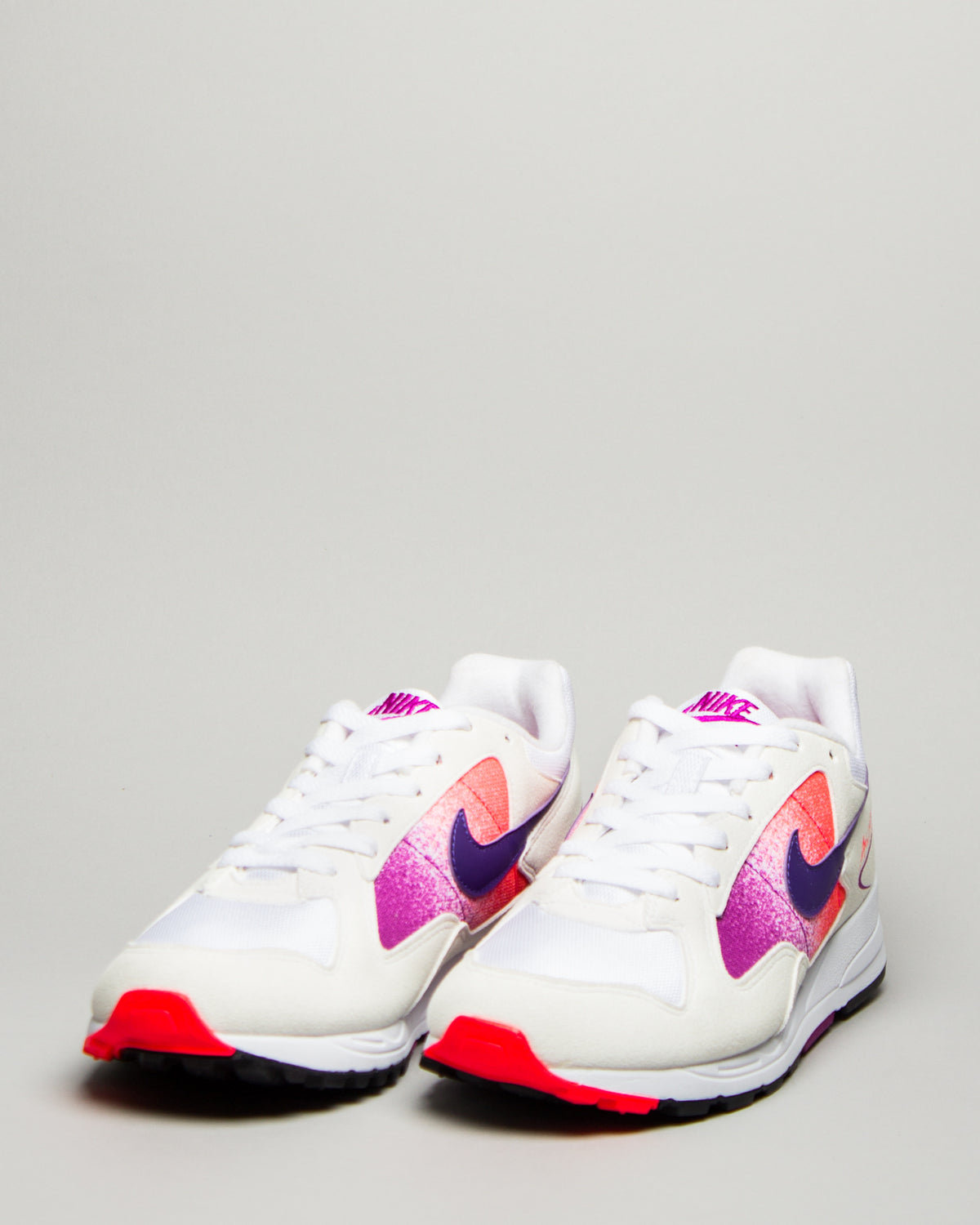 Air Skylon II White/Court Purple/Solar Red