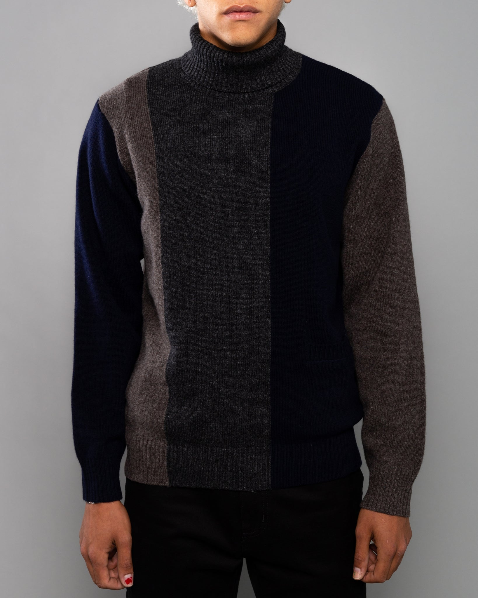 UCZ4901 Sweater Charcoal