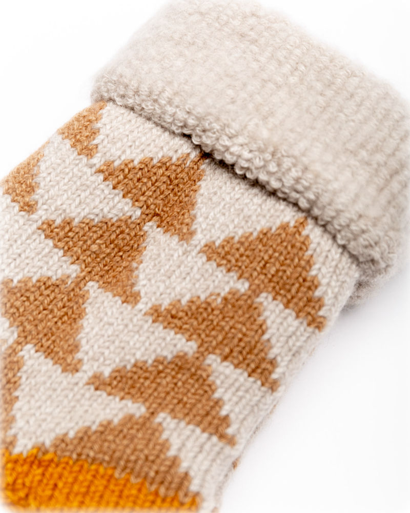 Comfy Room Socks Sankaku Beige/Gold