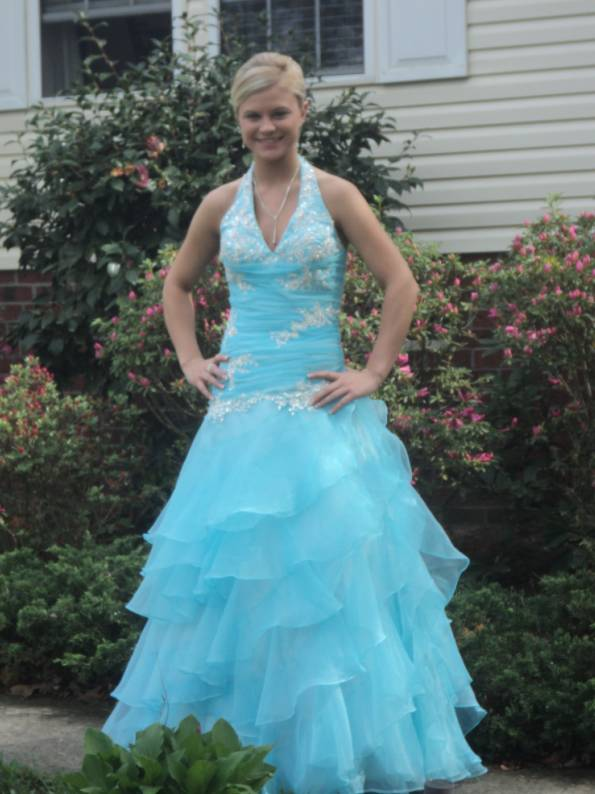 Princess Organza Beading Floor-length prom dress in action