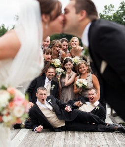 outerinner bridal party pictures guide | first kiss