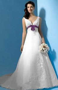 Scalloped Neckline Dropped Waist Wedding Gown with Applique Details Style Code: 08929 $259