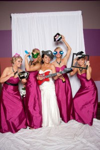 outerinner bridal party pictures guide | photo booth