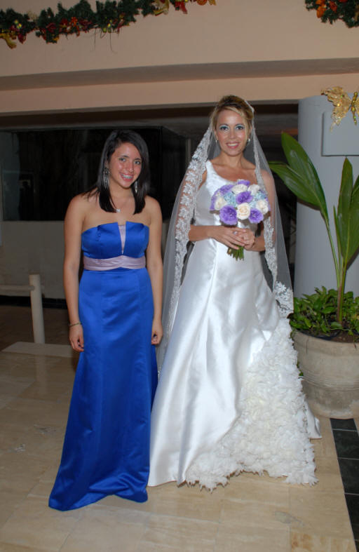 Ivette with one of her bridesmaids