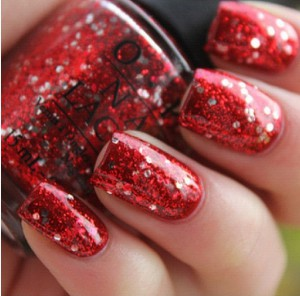 red glitter nails to match red dresses