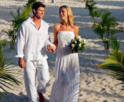 beach or outdoor weddings are the place for destination wedding dresses