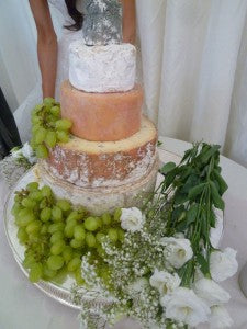 wedding cheese tower: wedding food trends