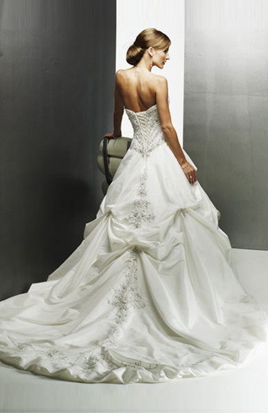 Sweetheart  A-line Sweep/ Brush Train Taffeta Wedding Gowns / Taffeta / $179 / Style code: 05891