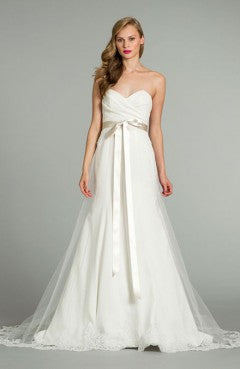 Sweetheart Tulle Overlay Skirt Wedding Dress, Style Code: 08940, US$189.00
