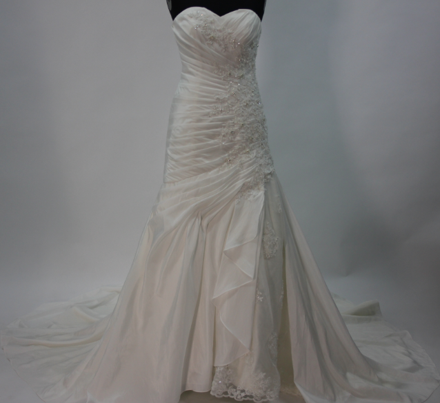 Ivory A-line Court Train Applique Taffeta Wedding dresses wide