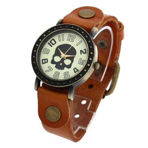 Unisex Quartz Wrist Watch Yellow Leather Band Arabic Numerals Retro Rivets Skull