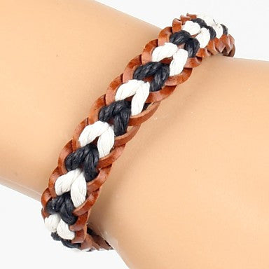 Comfortable Adjustable Men's BrownLeather Soft Bracelet Black And White Braided Leather(1 Piece)