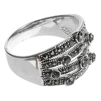 European Diamate Pierced Round Statement Rings(1 Pc)