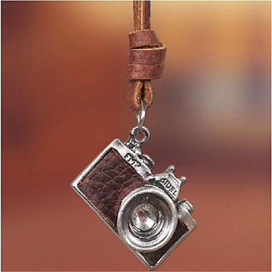 Fashion Retro European Camera Brown Leather Alloy Pendant Necklace(1 Pc)