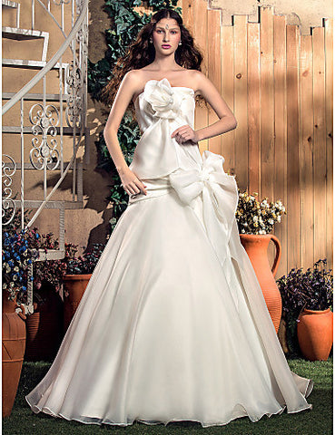 A-line/Princess Strapless Sweep/Brush Train Organza And Taffeta Wedding Dress