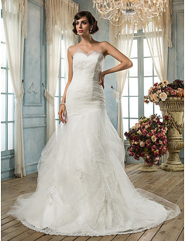Fit and Flare Sweetheart Court Train Tulle And Lace Wedding Dress