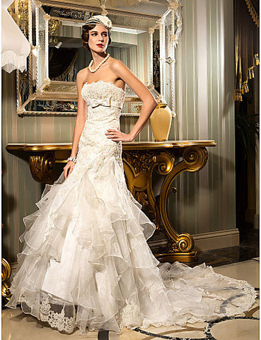 Trumpet/Mermaid Strapless Court Train Lace And Organza Wedding Dress