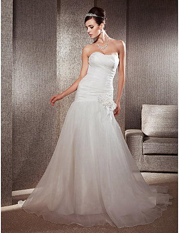 Fit and Flare Sweetheart Chapel Train Organza Floral Wedding Dress