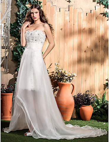 Sheath/Column Strapless Sweep/Brush Train Lace And Organza Wedding Dress (586053)