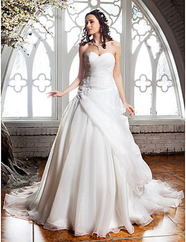 A-line Sweetheart Sweep/Brush Train Organza Wedding Dress (632820)