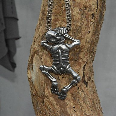 Fashion (Original designer Crawl Skull) Stainless Steel Alloy Tie Pendant Necklace (Silver)(1 Pc)