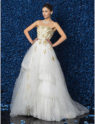 A-line/Princess Strapless Floor-length Tulle And Satin Wedding Dress