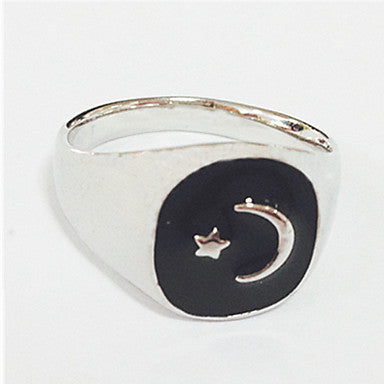 Vintage Contracted Alloy Black Oil Hollow Out Men's Statement Ring