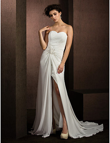 A-line/Princess Sweetheart Court Train Chiffon Wedding Dress (2487439)