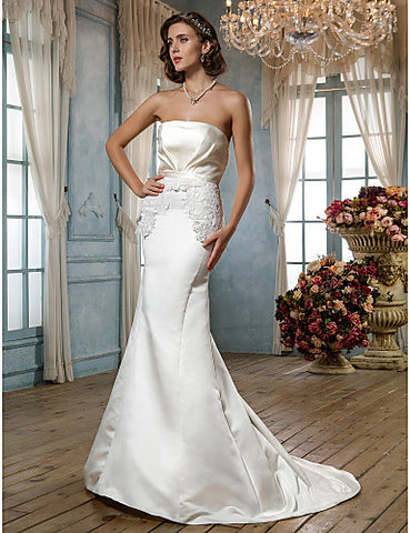 Sheath/Column Strapless Court Train Satin Wedding Dress (631185)
