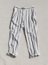 Load image into Gallery viewer, Monochrome Twill Front Pleat Pants