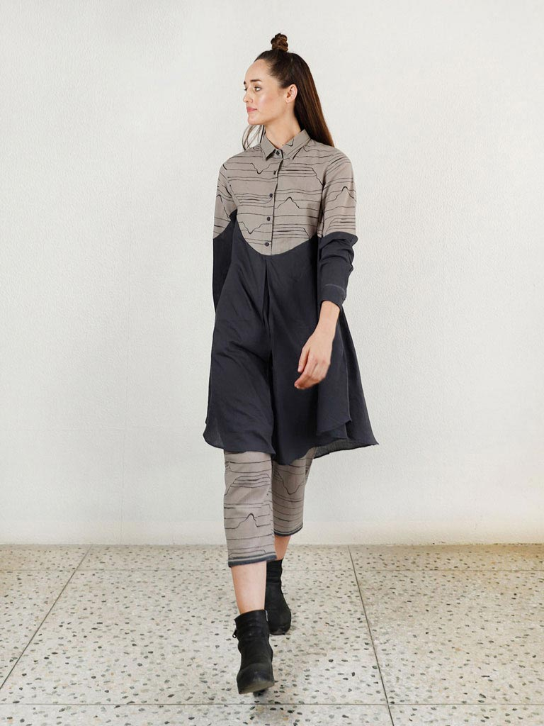 Relaxed Grey Wave Shirt Top