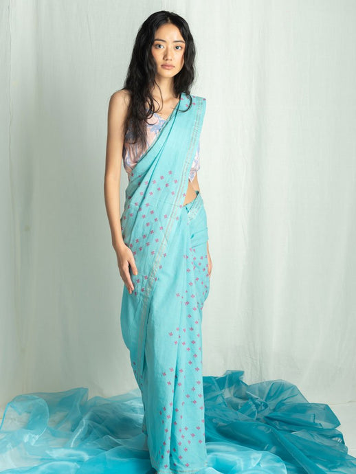 A Babe In The Woods-SAREES-IKKIVI