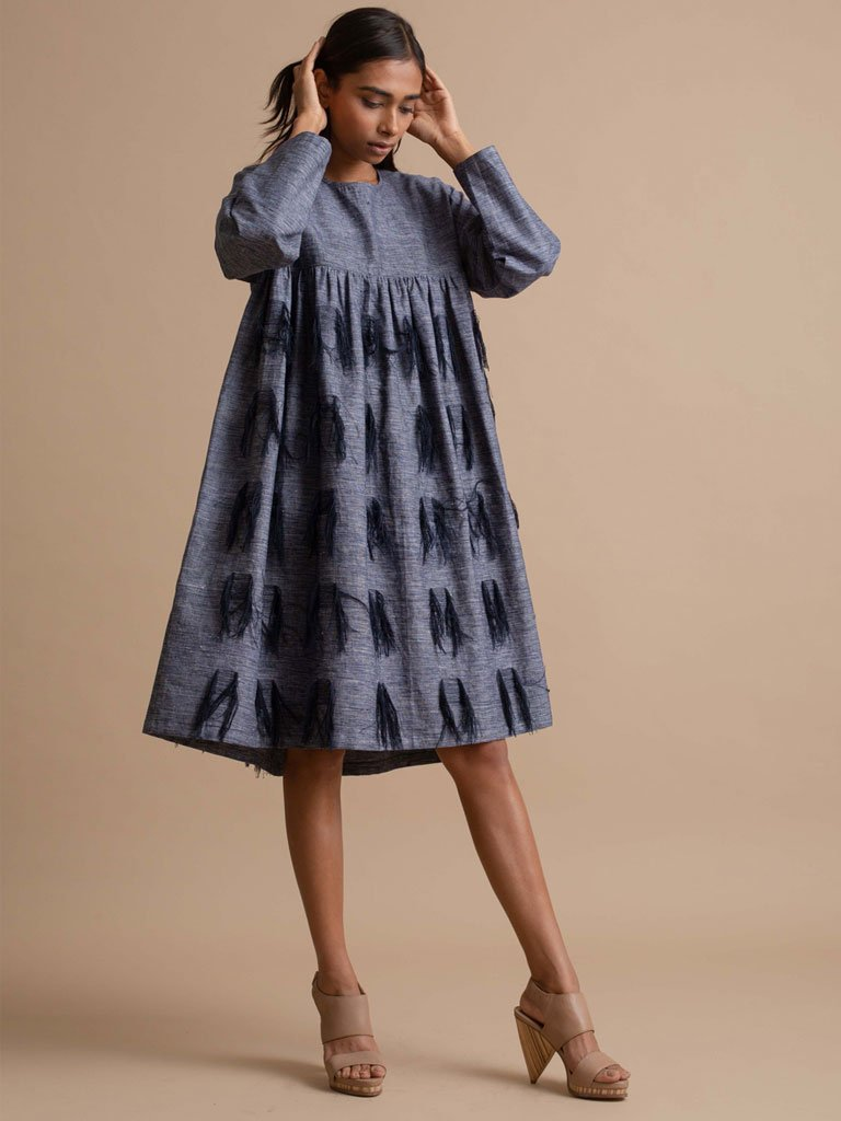 Blue thread texture embroidery dress with pleat detail