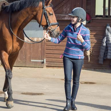 How to choose the perfect horse riding outfit as a beginner