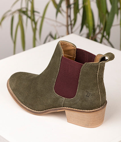 Heeled Chelsea Boots in Suede