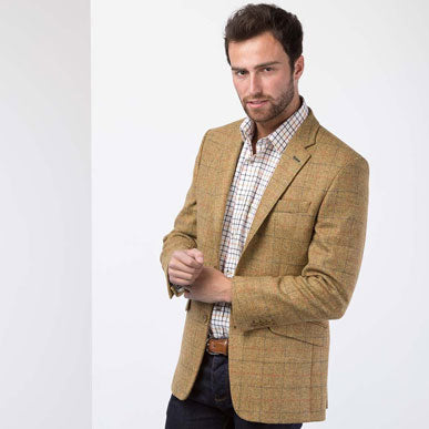 Choosing the right shirt for a tweed blazer
