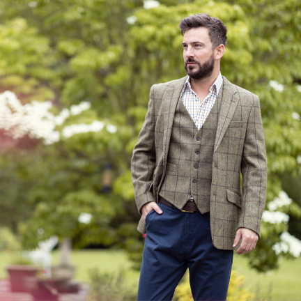 What Trousers to Wear with a Tweed Jacket