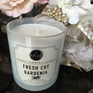 DW Fresh Cut Gardenia