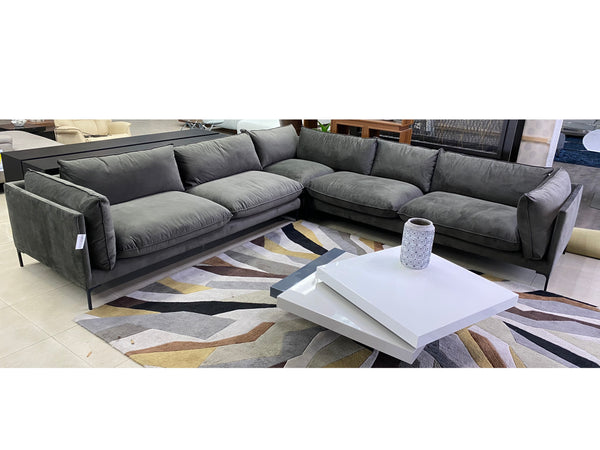 Meta L Sectional in Grey Fabric