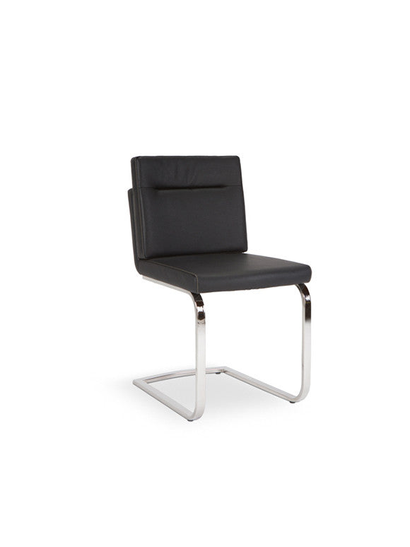 Max Black Chair