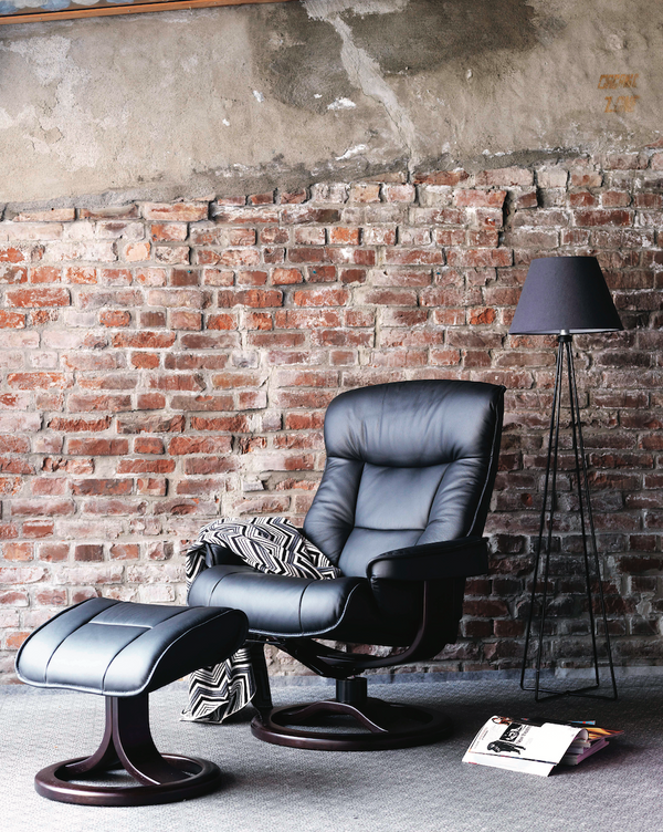 Bergen R Leather Reclining Chair in Havana