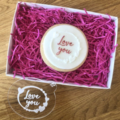 """LOVE YOU WITH HEART CIRCLE"" Cookie Embosser Lissie Lou"