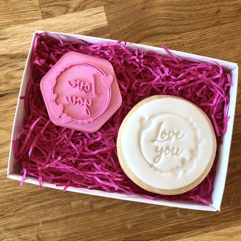 """LOVE YOU WITH HEART CIRCLE"" Cookie Stamp Lissie Lou"