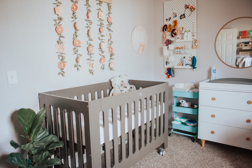 stimulating vs. soothing: which nursery is better?
