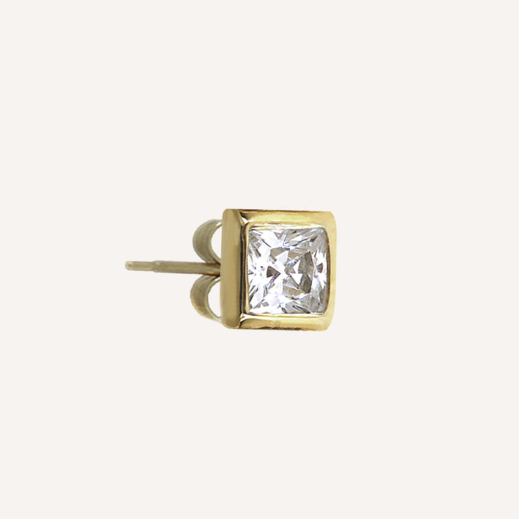 SINGLE SQUARE STUD
