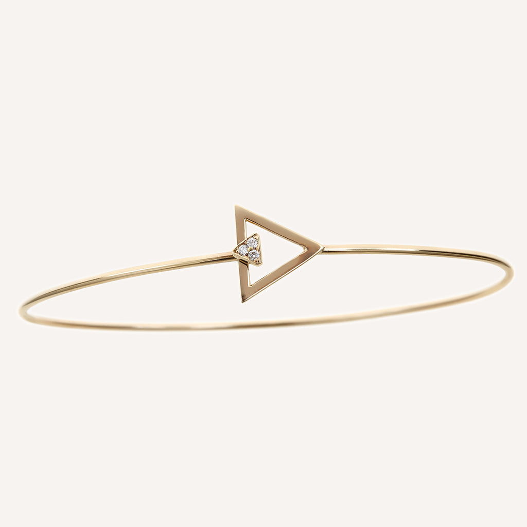 TRIANGLE CLASP BANGLE